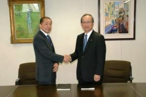 NLJの深津社長(左)、YASの矢野社長(右)