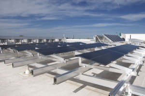 デンバーのプロロジス太陽光発電システム実験場