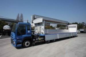 鋼材輸送・一般消費材輸送に併用可能な新型トレーラで共同輸送体制を強化