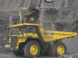 クズバス地域で稼働中の鉱山機械