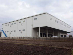 新設した低温倉庫の外観