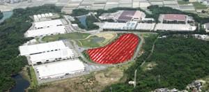 滋賀事業所全景とメガソーラー設置予定地