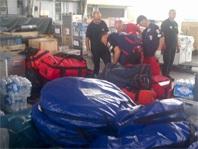 マクタン・セブ国際空港で支援業務を行うDRTメンバー