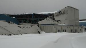 海上技術安全研の実験施設が雪で倒壊