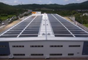 ワークマン、滋賀県の物流施設で太陽光発電開始