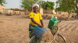 コカ・コーラ、アフリカの供給網整備へ新たに50億ドル投資