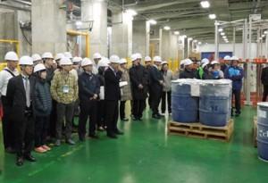 台湾視察団が横浜冷凍の物流センターを訪問