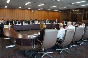 国交省、米国のLNG船優遇法の懸念伝える