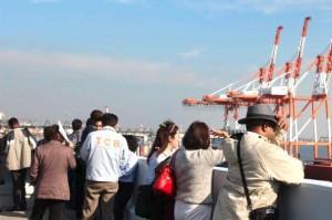 名古屋港、16か国の港湾関係者が自働化荷役視察