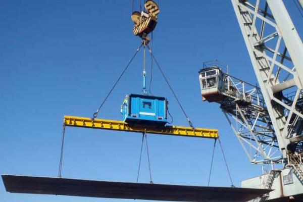 神鋼物流、港湾荷役に「スカイツリーの吊荷制御装置」アイキャッチ