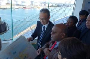 モザンビーク運輸通信相が鹿島港のインフラ視察