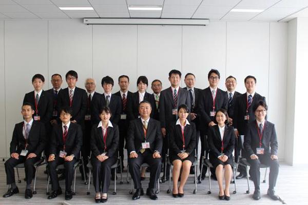 キリンロジ、新体制後初の新入社員13人迎え入社式