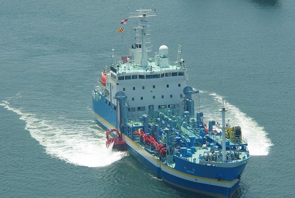 国交省、熊本地震で初めて博多港を輸送拠点に