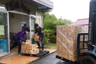 日本ガイシ、熊本被災地に備蓄食料品寄贈3