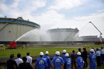 静岡で石油コンビナート災害に特化した消防部隊配備