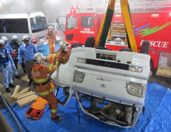 NEXCO中日本、大型トラック事故想定の防災訓練