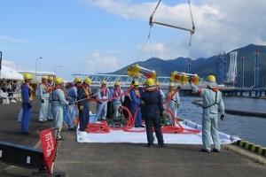 大型タンカーの油流出事故想定した防災訓練2