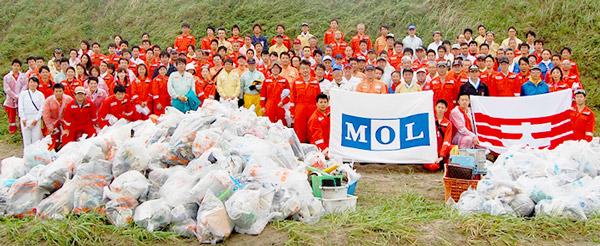 商船三井、グループ社員ら144人で鹿島灘海岸を清掃