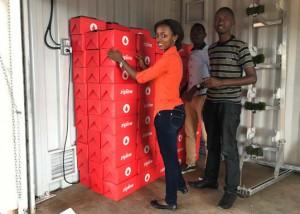 ルワンダで全国規模のドローン配達開始、世界初
