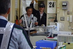 NEXCO東日本、料金所に強盗犯想定し防犯訓練