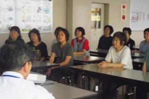 グンゼ、江南物流センター女性従業員に乳がんセミナー