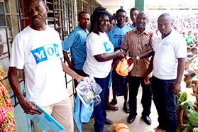 商船三井、ガーナへスポーツ用品の無償輸送に協力