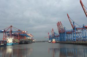 ハンブルク港、IoT技術で汚染源船舶の特定可能に