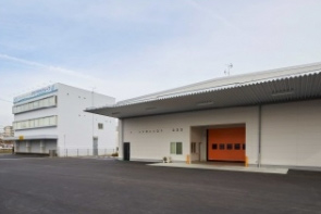 アクアクララ、吹田市で最新設備の新工場完成2