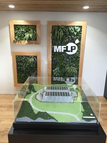 現地事務所に設置されたイメージモデル