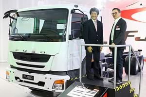 三菱ふそう、アルジェリアとフィリピンに大型トラック投入