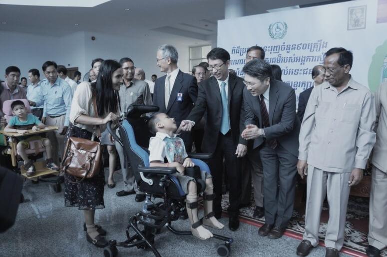 商船三井、カンボジア向け車椅子の海上輸送に無償協力