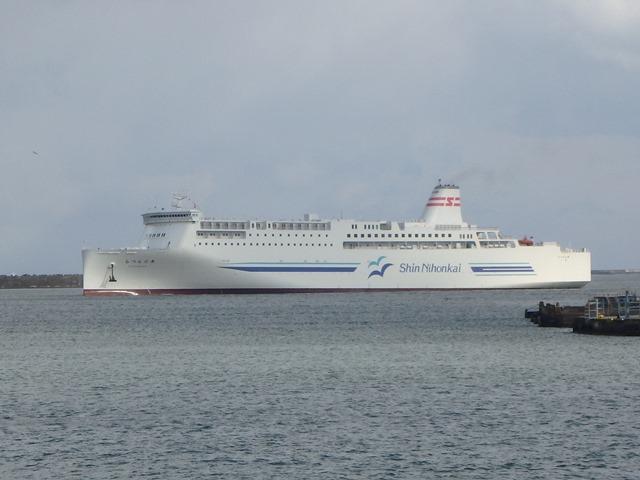 新日本海フェリー、新造船「らべんだあ」就航??