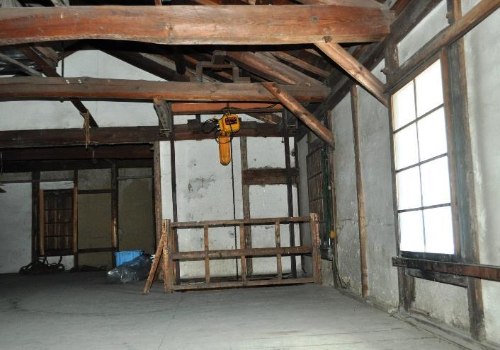 千曲市の土蔵造り倉庫、国の登録有形文化財に03