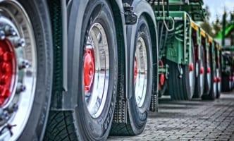 トラック運送業のフルトラクタ導入6%止まり
